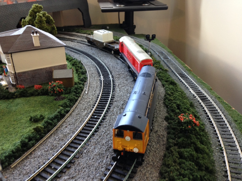 Review: Bachmann Class 20 - GBRf and London Transport (3/6)