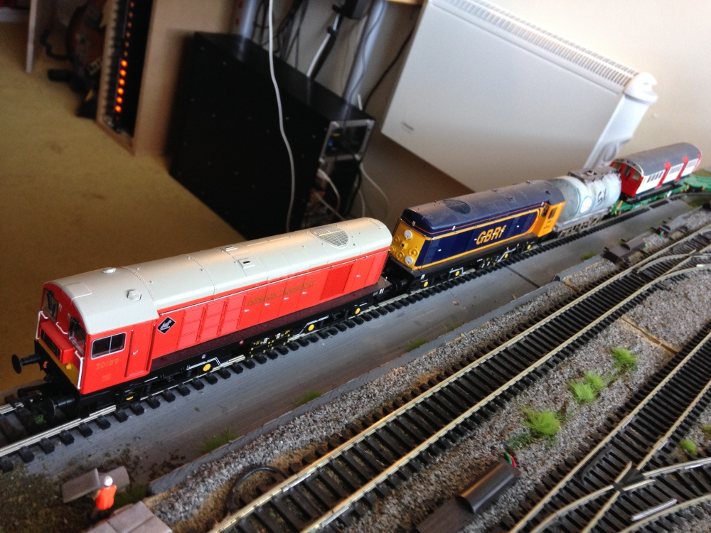 Review: Bachmann Class 20 - GBRf and London Transport (4/6)